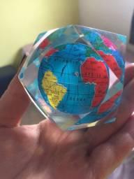 Peso de papel, globo terrestre