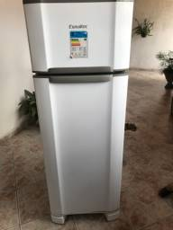 Vendo geladeira Esmaltec