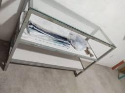 Vendo estante com vidro temperado.