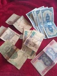 Quem gosta de conhecionar dinheiro antigo..estou vendendo dinheiro antigo.