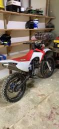 Moto trilha XL 200