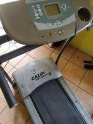 Esteira eletrica Caloi pra 130 kilos tá com mal CTT no painel e lona ruim