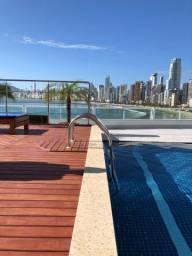 Loft até dezembro com piscina e academia .