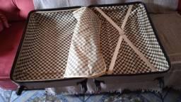 Vendo uma mala grande nova só usei uma vez