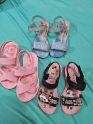 Lotinho de sandálias