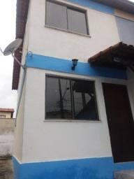 Bairro Alessandra -  casa com 2 quartos, próximo à Est. do Tingui
