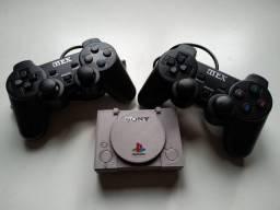 Mini Playstation + 2 controles 6000 jogos