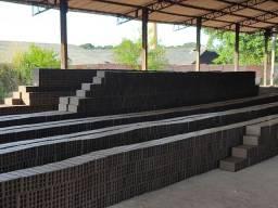 Vende-se tijolos grandes de 24cm x 14cm