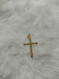 Corrente feminina com pingente de cruz banhada a ouro 18k