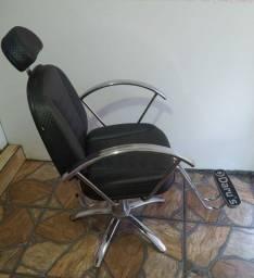 Vendo cadeira hidráulica para salão em perfeito estado