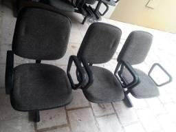 Cadeira preta para sala de espera