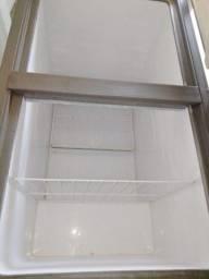 J M MÓVEIS freezer de duas portas por 2.500