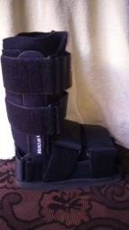 Título do anúncio: Vendo Bota ortopédica