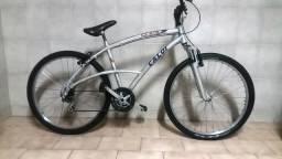 Bicicleta Caloi em aluminio, 18 marchas, freios V Brake, amort. Dianteiro