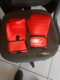 Luva de boxe nova