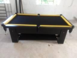 Mesa com 4 Pés Cor Preta Tecido Preto e Borda Amarela Mod. LJXL2266
