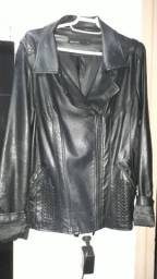 Jaqueta de couro cor preta