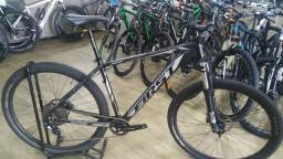 Bike usada  29 first xt 1x10 valor 2.590 em 12x cartao