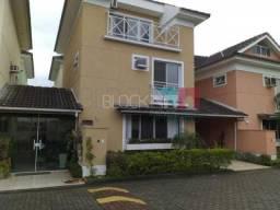 Casa de condomínio à venda com 4 dormitórios cod:RCCN40263