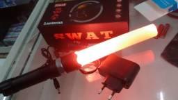 Lanterna recarregavel (Tipo Swat) com sinalizador. 3 modos. Foco ajustável.
