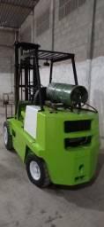 Empilhadeira Clark c300 3 ton