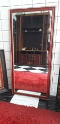 Espelho com moldura em madeira. Galeria Santista. Posso entregar.