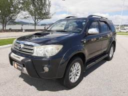 Toyota Hilux SW4 4x4 7 lugares
