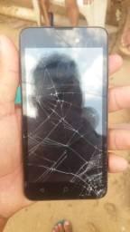 Vendo um celular com o display quebrado