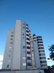 Apartamento de 03 quartos mais dependência de empregada no Centro de Caldas Novas