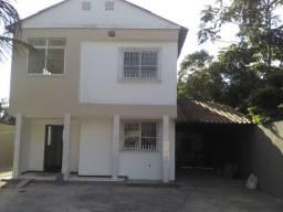 Casa Duplex Em Balneário Ponta da Fruta com 04 Quartos Sendo Uma Suíte