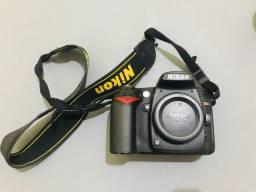 Nikon D90 + 18-105mm