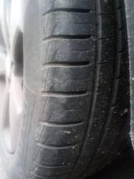 Vendo 4 pneus usados 225/50/17