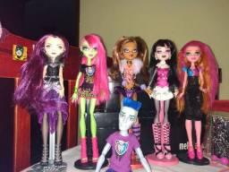 Vendo Bonecas Monster High