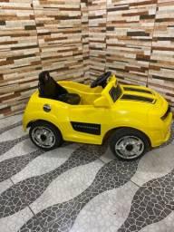 Camaro amarelo com bateria nova