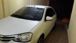 Etios sedan platinum 2015
