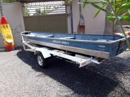 Vendo Barco, carreta e 2 motores R$7,500.00...chamar no whats * falar com Jô
