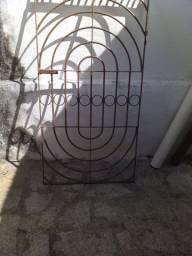 Excelente portão globo