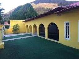 Casa 2 Quartos Com Piscina - Condomínio Fechado