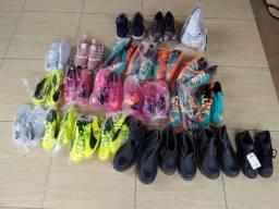 Vendo 100 pares de calçados novos