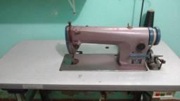 Vendo uma máquina de costura.