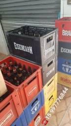 Caixa engradado, com garrafas de cerveja