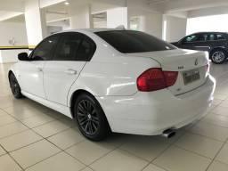 BMW 320i 2010 completa