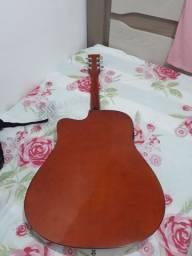 Vendo violão  Vouga bem conservado  meu zap é 027  *