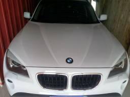BMW x1 . Cor branca