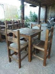 Jogo de mesa c/4 cadeiras inteiriça