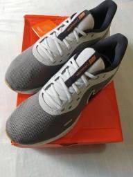 Tênis Nike Revolution 5 - Tamanho 42