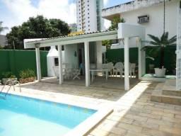 1726 - Casa - 05 Suítes - 300 m² - 04 Vagas - Piscina - Candeias