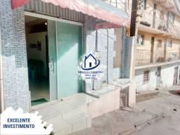 Casa com Ponto Comercial em Itapuã-HPT04