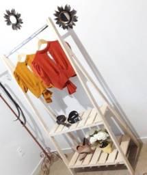 Arara de roupa nova