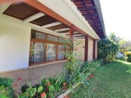 Casa linear com 4 quartos, sendo 2 suítes, em Araras.